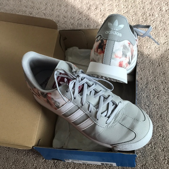 cheap for discount c9b72 6d5ee adidas Shoes - Rare Adidas sneaker